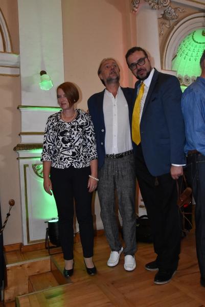 Bas Wojtek Śmiłek i Dariusz Piotr Klimczak na scenie Starego Domu Zdrojowego w Krynicy Zdroju